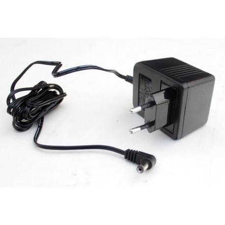 Adaptador de corriente 12v para pedales y amplificadores Merit-10 +(-)+